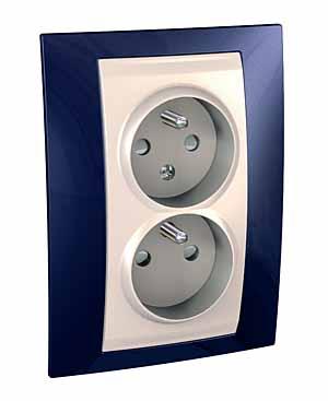 Zásuvka UNICA Plus dvojnásobná, s clonkami, 2 moduly (Marfil-Indigo)