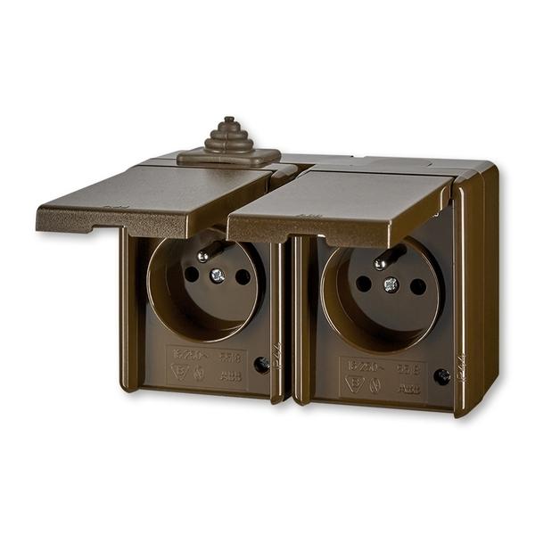 Dvojzásuvka IP 44, s ochranným kolíkem, s víčkem Praktik hnědá (ABB 5518-2029 H)