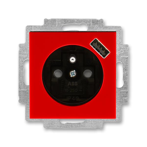 Zásuvka jednonásobná s ochranným kolíkem, s clonkami, s USB nabíjením LEVIT červená/kouřová černá (ABB 5569H-A02357 65)