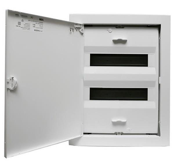 Rozvodnice UK520E ZM (24 modulů) zapuštěná s dveřmi